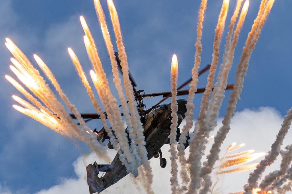 Ка-52 Бакин пилотаж отстрел ловушек