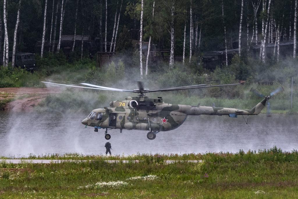 Десантирование водолаза с вертолета.  Дмитрий Шваб | Военная фотография