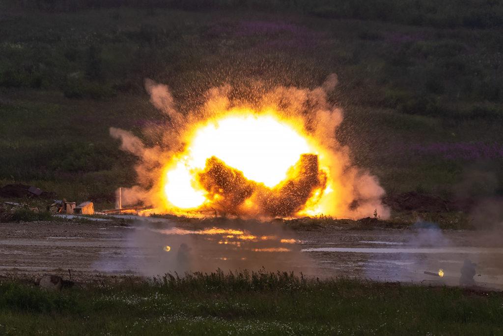 Поражение цели  РПО-А «Шмель» расчетом огнеметчиков.  Дмитрий Шваб | Военная фотография