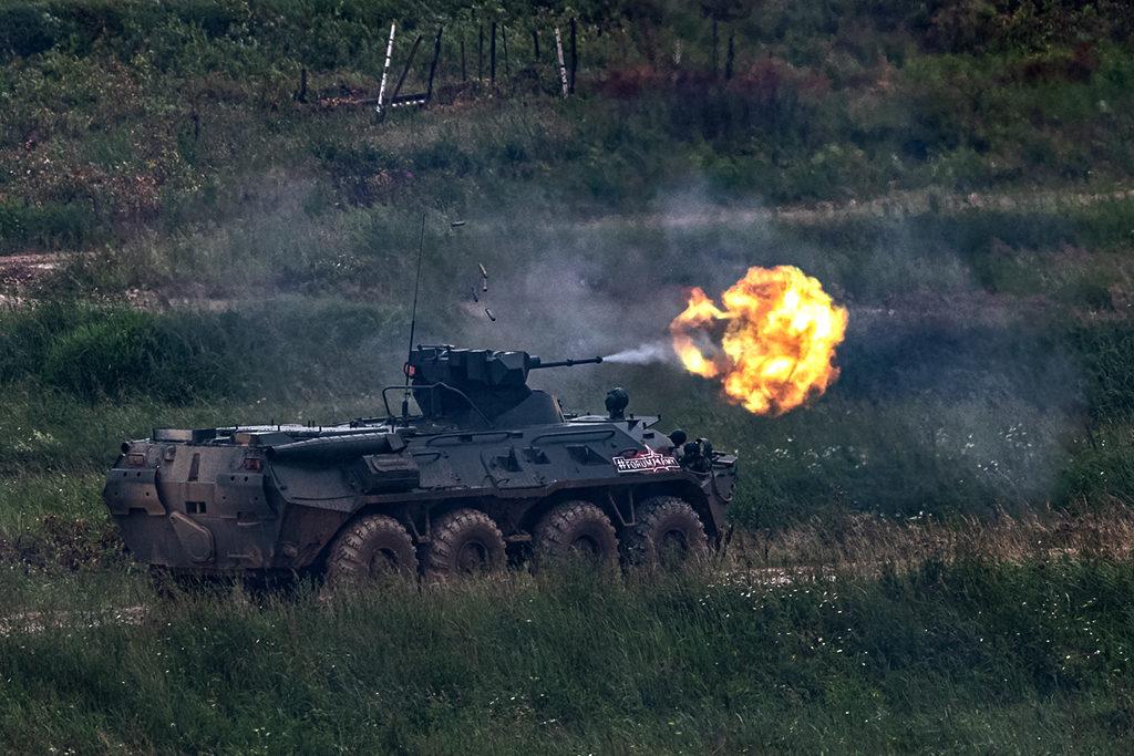 Ведение огня БТР-82А.  Дмитрий Шваб | Военная фотография