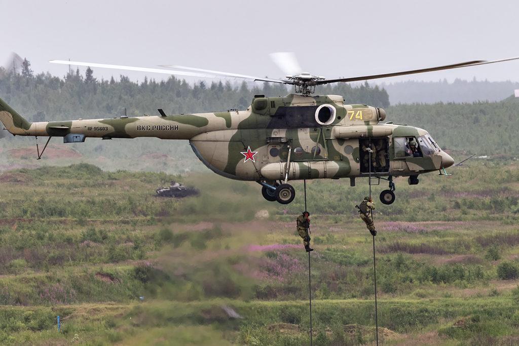 Высадка тактического десанта вертолетом Ми-8АМТШ.  Дмитрий Шваб | Военная фотография