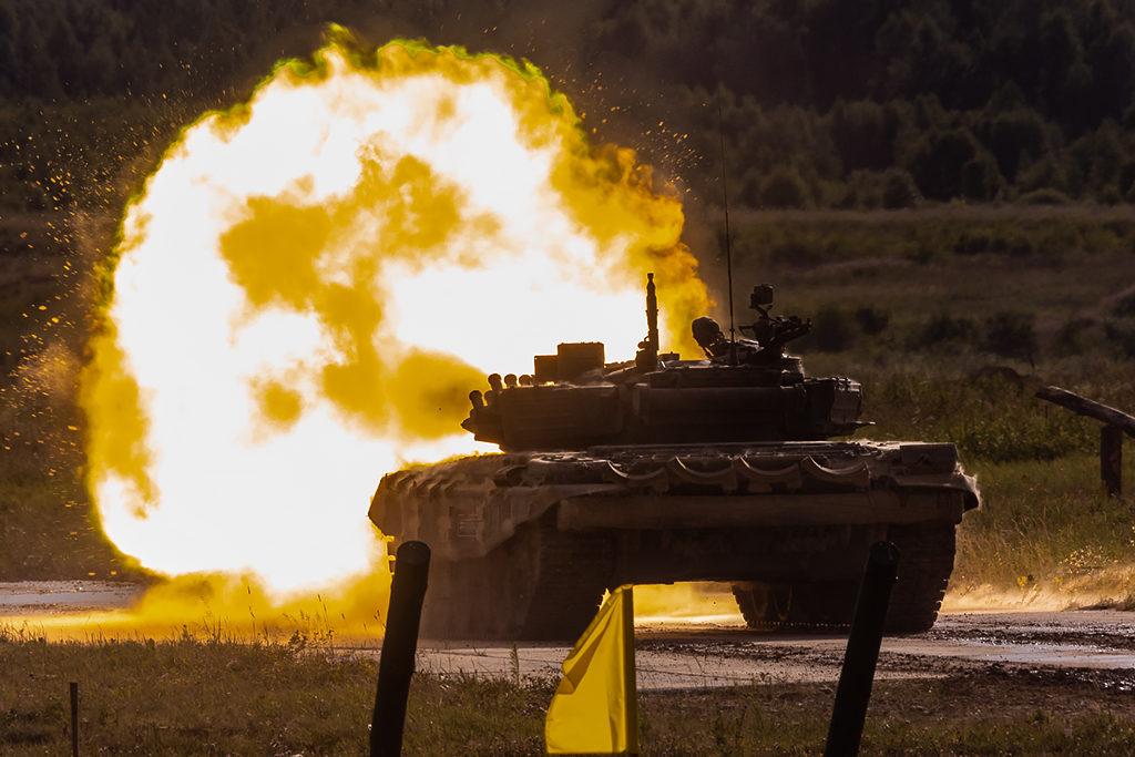 Ведение огня танком Т-72Б3.  Дмитрий Шваб | Военная фотография