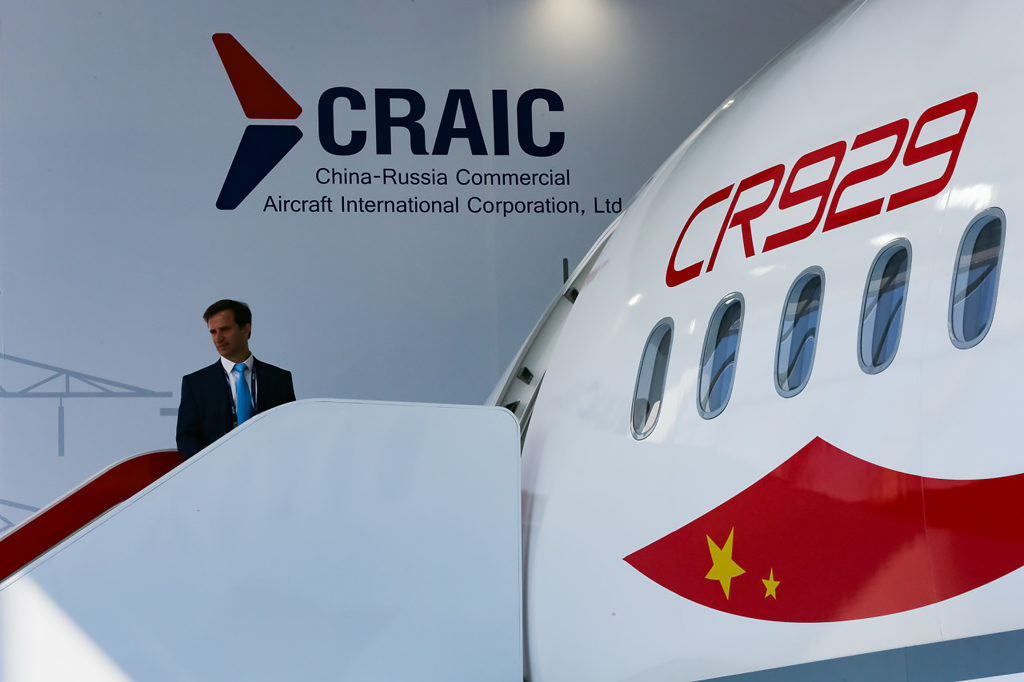 Макет российско-китайского широкофюзеляжного дальнемагистрального самолёта CR929