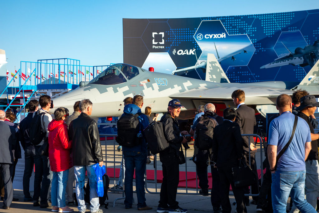 Истребитель Су-57 на статической экспозиции МАКС-2019.