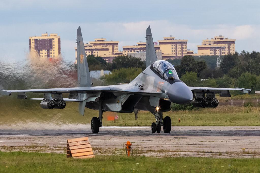 Авиадартс-2019. Взлет Су-30СМ ВВС Казахстана