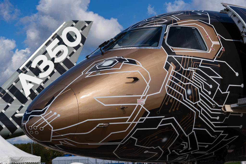 "Embraer E195-E2 ""Tech Lion"" на МАКС-2019"