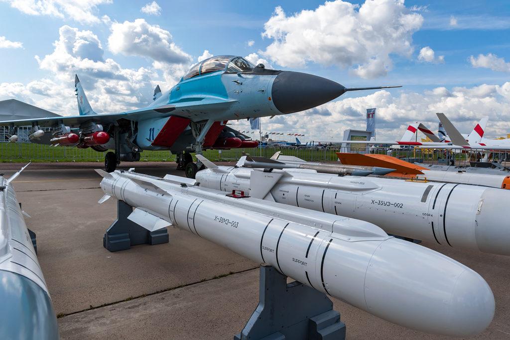 МиГ-35 с вооружением